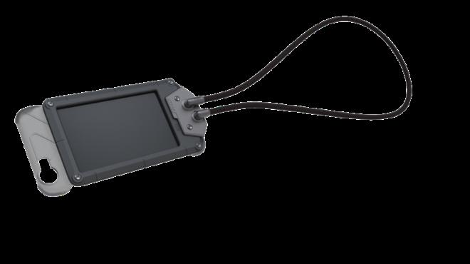 (BADGE)獨特抗金屬干擾技術證件夾可快速與CORESUIT base 結合.同時輕鬆攜帶手機及識別證.讓證件夾與手機同時使用時刷卡感應不受影響_resize