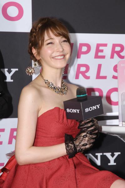 sonylena 07 日本名模藤井莉娜登台 分享Sony自拍玩美機魅力