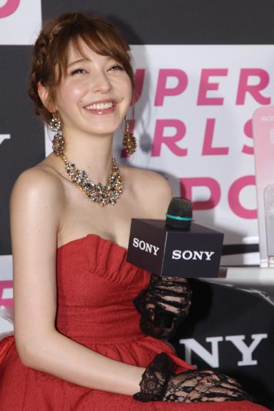 sonylena 16 日本名模藤井莉娜登台 分享Sony自拍玩美機魅力