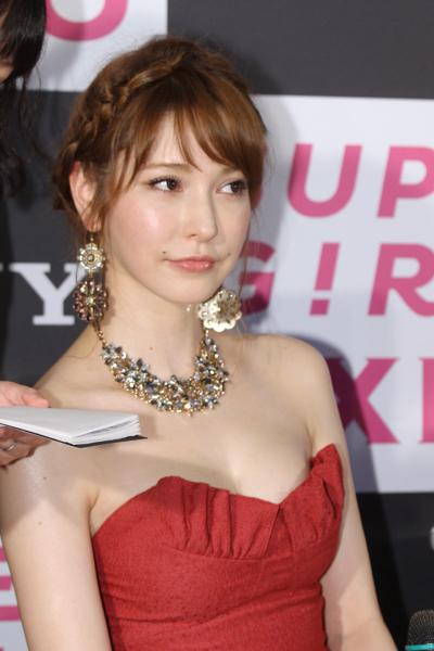 sonylena 30 日本名模藤井莉娜登台 分享Sony自拍玩美機魅力