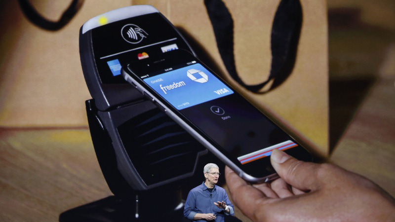 apple-pay-tim-cook_resize