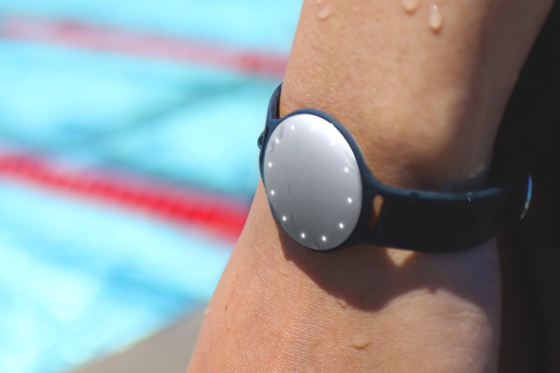 speedo 2000x2000 wrist 2 resize 強化智慧穿戴 Fossil以2.6億美元收購Misfit