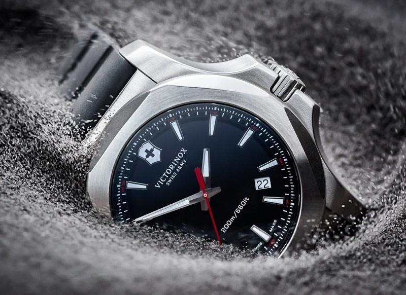 Victorinox-Swiss-Army-INOX-watch-tests-11_resize