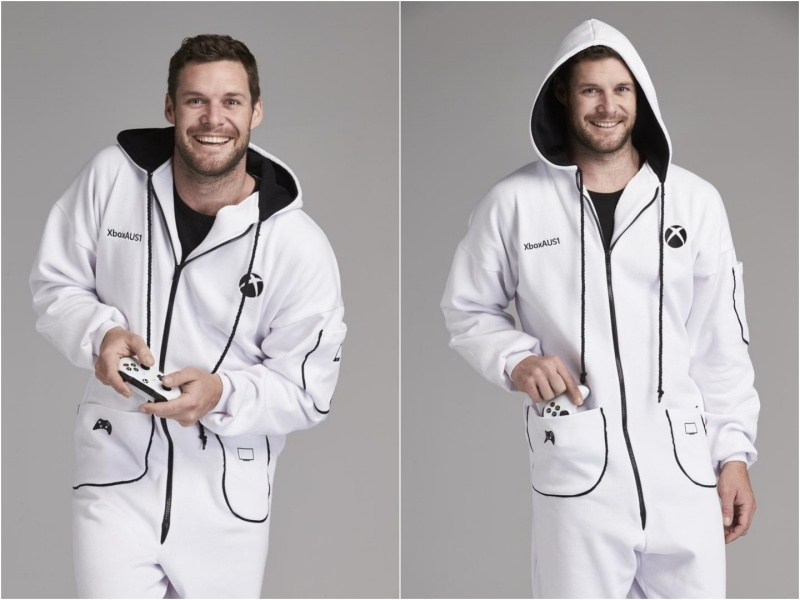 慶祝Xbox One S上市 微軟打造可長時間遊玩遊戲的專用連身服
